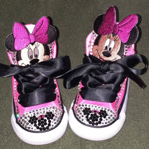 fd81293e7b758d Minnie Mouse Sneakers. NWT. Converse